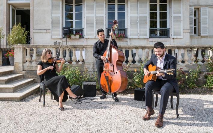 trio-manouche-guitare-violon-contrebasse-1-1